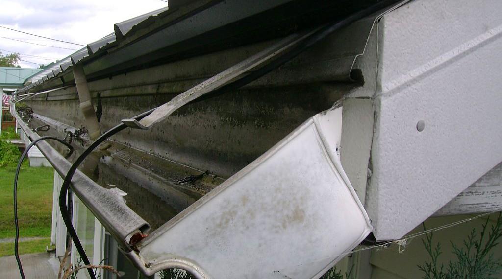broken-gutter-1024×570