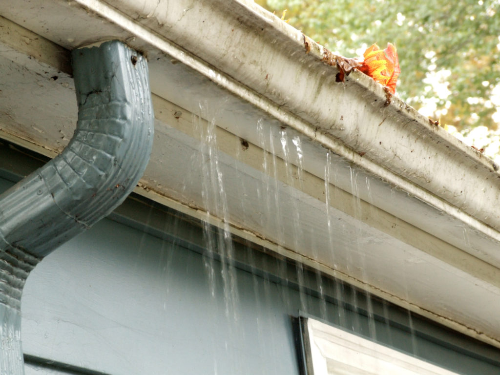 clogged gutters cause damage