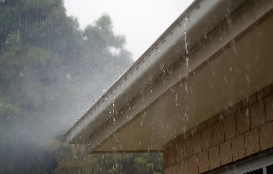 the benefits of installing rain gutters