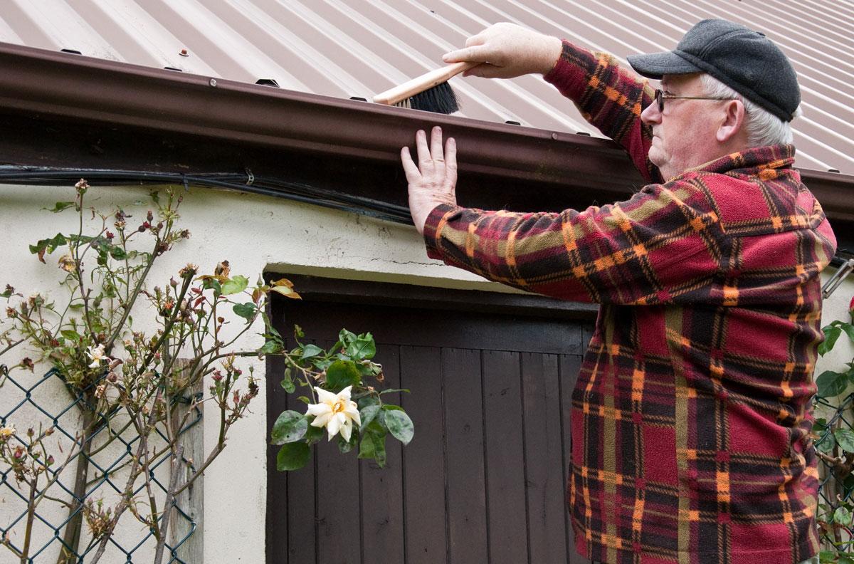 metal-roof-maintenance